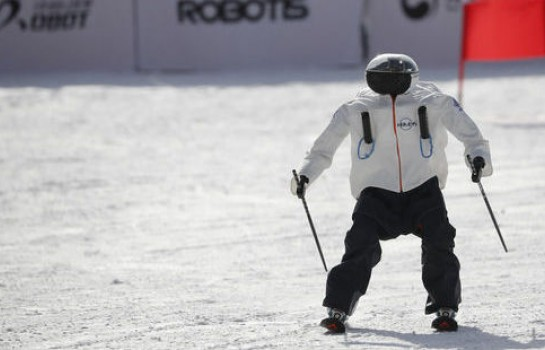 Vinos Vinos les robots coreens invesitissent  les JO d 'ahivers 2018